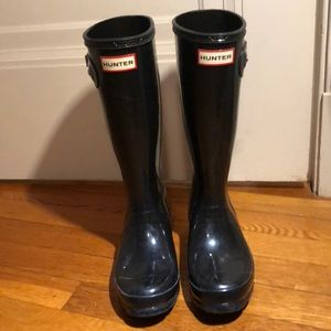 Black Hunter rainboots!